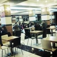 12/26/2012 tarihinde Arif A.ziyaretçi tarafından Altıgen Cafe'de çekilen fotoğraf