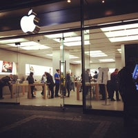 Photo taken at Apple Bahnhofstrasse by Michael M. on 10/22/2012