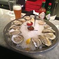 Photo taken at Legal Sea Foods by Liz M. on 2/22/2013