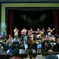 Das Foto wurde bei Old Town School of Folk Music von oma t. am 7/13/2013 aufgenommen