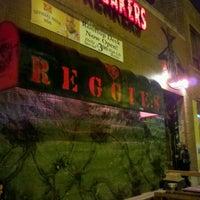 Photo prise au Reggie's Rock Club par oma t. le11/4/2012