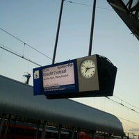 Photo taken at Platform 6 by Ronald v. on 9/29/2012
