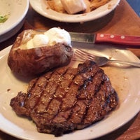 Photo taken at Texas Roadhouse by PipeMike Q. on 7/28/2013