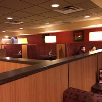 Photo taken at Pizza Hut by Emedea M. on 10/19/2015