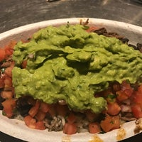 Photo taken at Chipotle Mexican Grill by Fabio P. on 2/9/2017