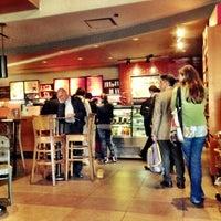 Foto tomada en Starbucks por xabirox U. el 11/23/2012