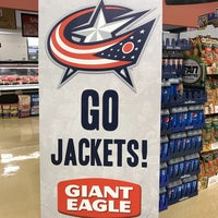 Photo taken at Giant Eagle Supermarket by Scott W. on 3/6/2017