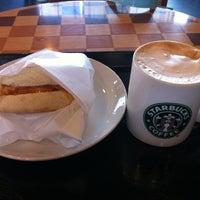 Photo taken at Starbucks by Kumi. on 10/31/2012