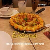Photo taken at KFC & Pizza Hut Subang 2 by Alif R. on 5/14/2013