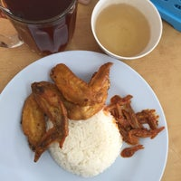 Photo taken at ARS Nasi Lemak Restaurant by Ashley C. on 8/21/2015
