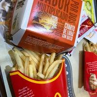 Foto tirada no(a) McDonald's por Juan Manuel F. em 9/8/2017