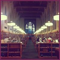 Photo prise au Yale Law School par Elke R. le6/15/2013