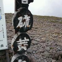 Photo taken at 硫黄岳山頂 by Kazunobu on 8/12/2016