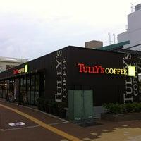 Foto tirada no(a) Tully's Coffee por kobana19 em 11/6/2012