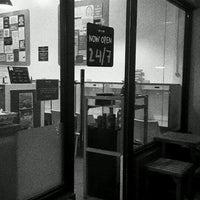 Photo taken at Omou Think Café by Peddz 🐾 on 12/9/2016