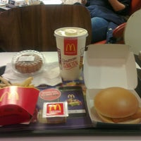 Photo taken at McDonald's by Tat Kee K. on 9/13/2016