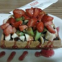1/29/2013 tarihinde Elif K.ziyaretçi tarafından Waffle Edem 46'de çekilen fotoğraf