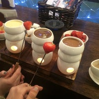 Photo taken at Max Brenner by Pasha B. on 12/2/2015