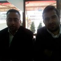 Photo taken at Kocausta Karadeniz Pide Salonu by Fırat A. on 3/28/2013