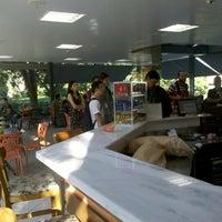 Foto tirada no(a) Pausa Caffè por Anderson O. em 12/7/2012