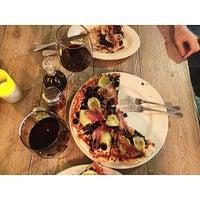 Foto tomada en Porto Vecchio Cucina Italiana por Fabian J. el 5/28/2015