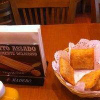 Foto tirada no(a) Madero Burger & Grill por Monique M. em 11/23/2013