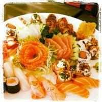 Photo taken at Sachô - Restaurante e Temakeria by Luciana B. on 3/23/2013