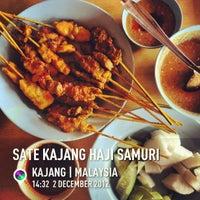 Photo taken at Restoran Sate Kajang Haji Samuri by Oh! Media N. on 12/2/2012