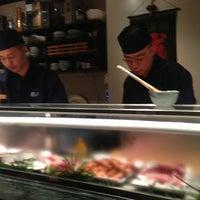 Foto tirada no(a) Sushi Ketsu 榤日本料理 por Joe L. em 2/8/2013