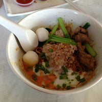 Photo taken at 7 Village Noodle House (七廊粿條湯) by Dennis T. on 3/1/2013