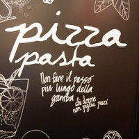 Photo taken at Pizza Hut by Katty on 1/20/2015