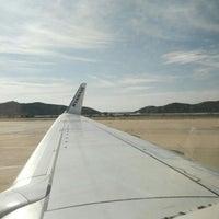 Photo taken at Ryanair Flight FR6457 IBZ-CRL by Leontine D. on 4/11/2016