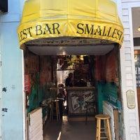 Foto tirada no(a) Smallest Bar por Parthiban S. em 12/14/2017