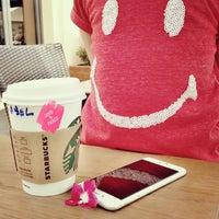 Photo taken at Starbucks Coffee - Hilton by BarceloOoNi 😊 on 10/31/2014