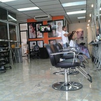 Photo taken at Henry Haute Coiffure by Erick C. on 10/13/2012