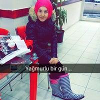Photo taken at OF Çiğ Köfte&Kumpir by 🇦🇾🇸🇪 . on 1/19/2016