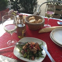 Foto tirada no(a) Tuscania Food & Wine por Kristina E. em 8/20/2013