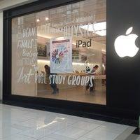 Photo taken at Apple by 🌺Hazel🌺 on 7/28/2013