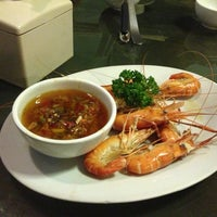 Das Foto wurde bei 老大 Laota Restaurant von Eshape B. am 3/9/2013 aufgenommen