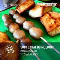 Photo taken at Soto Babat Bu Mulyono by Eshape B. on 2/22/2015
