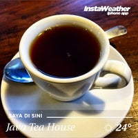 Photo taken at Java Tea House by Eshape B. on 5/16/2015