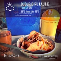 Photo taken at Bubur Biru Laut 10 by Eshape B. on 7/2/2013