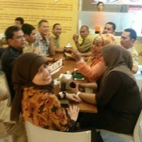 Photo taken at Ayam Penyet RIA by MR1DY A. on 12/31/2013