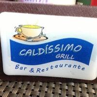 รูปภาพถ่ายที่ Caldíssimo Grill โดย George L. เมื่อ 4/7/2013