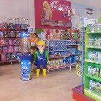 Foto tomada en Toy Planet Lucena por Jaime M. el 2/27/2014