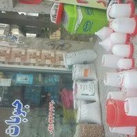 Photo taken at Mahmudabad Fruit Market | بازار روز محمود آباد by Aqil B. on 8/17/2017