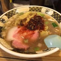 Foto scattata a Sugoi Niboshi Ramen Nagi da Daisaku K. il 5/8/2015