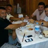 Photo taken at Yalı Aile Restaurant by Halil K. on 8/10/2016