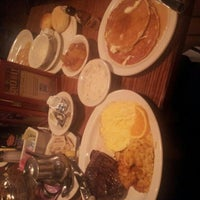 Photo taken at Cracker Barrel Old Country Store by Bernard M. J. on 10/27/2012