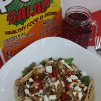 Photo taken at Pop Salad [Healthy Food And Drinks] by Adrix C. on 10/15/2015